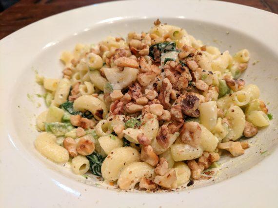 Avocado, Spinach, Gorgonzola Pasta with Walnuts